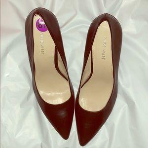 NWT Nine West black heels. 8.5M